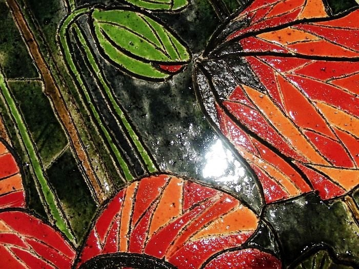 Керамическое панно в технике моаррак из крупноразмерной керамической мозаики