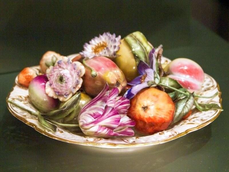 Уилдонские изделия с декоративными керамическими фруктами