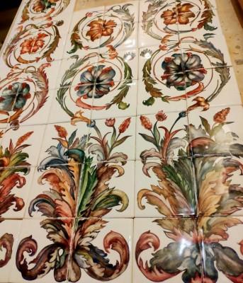 Керамическое панно ручной работы в стиле ренессанс по мотивам фресок лоджий Рафаэля в Эрмитаже