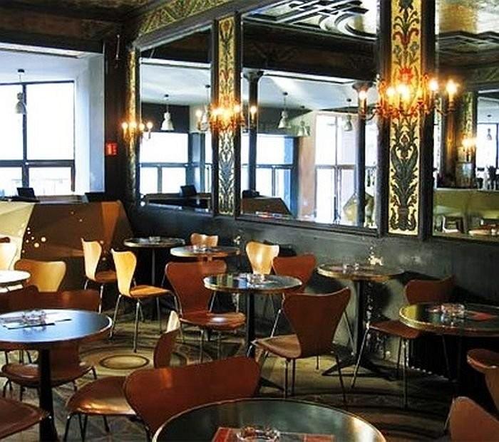 Керамические панно в кафе De La Ville