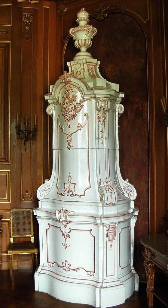 Керамическая печь в Ланьцутском замке в стиле барокко