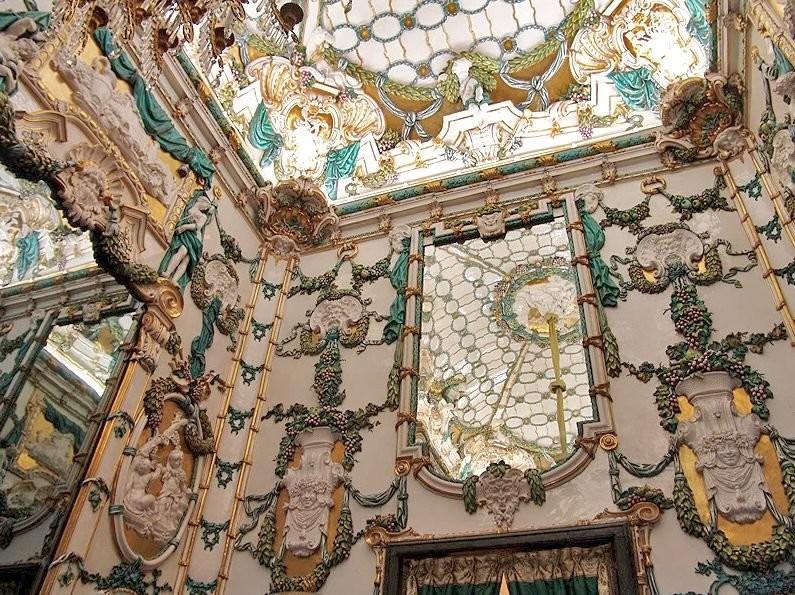 Фарфоровая комната в королевском дворце в Мадриде