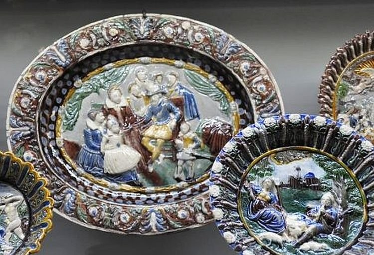 Блюда с керамическими рельефами. Бернар Палисси. 16 век