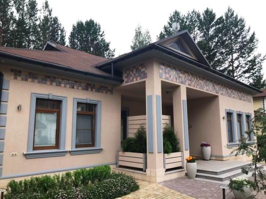 Еще один фасад с применением нашей Кофейной коллекции фасадной майолики