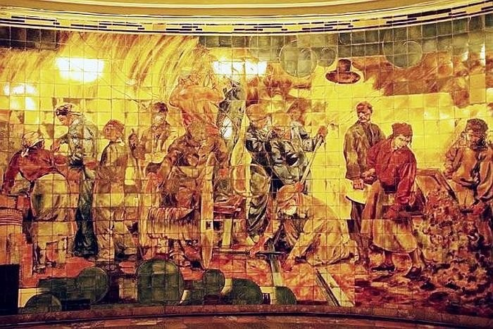 Майоликовое панно «Строители метро» ст. м. Комсомольская