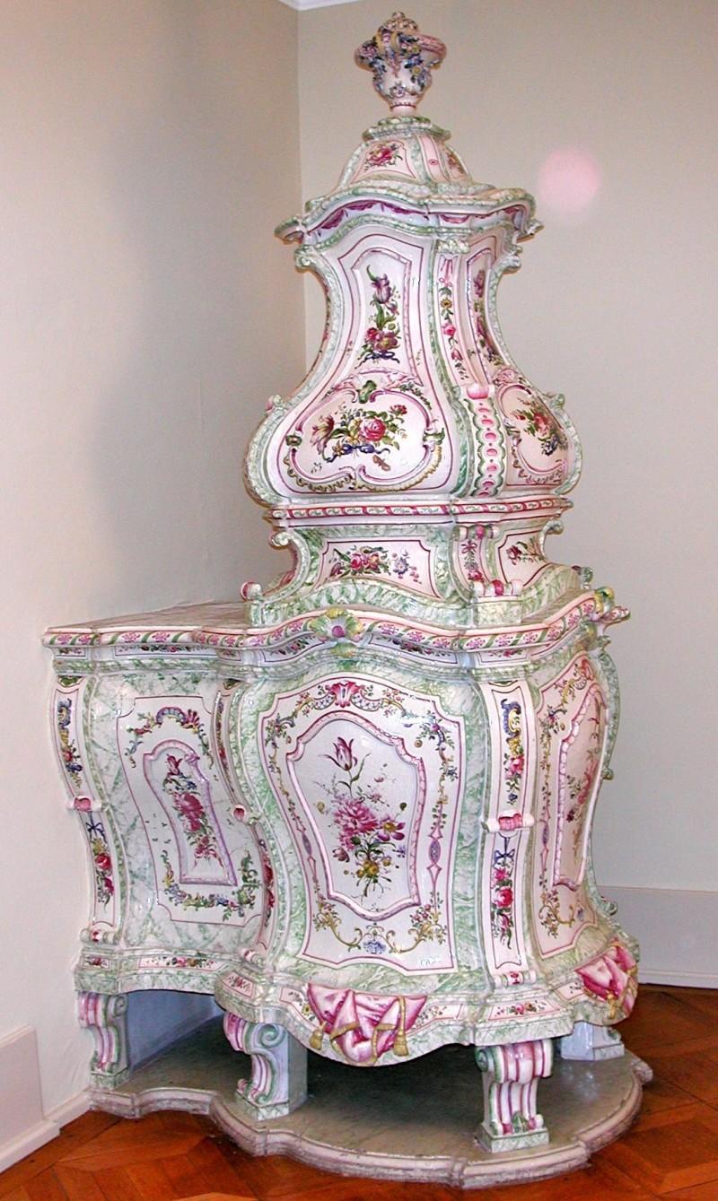 Французская печь в стиле рококо. Музей в Зальцбурге.
