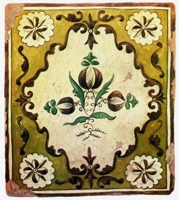 Традиционный калужский изразец с цветком в рамочном медальоне. Начала XIX века