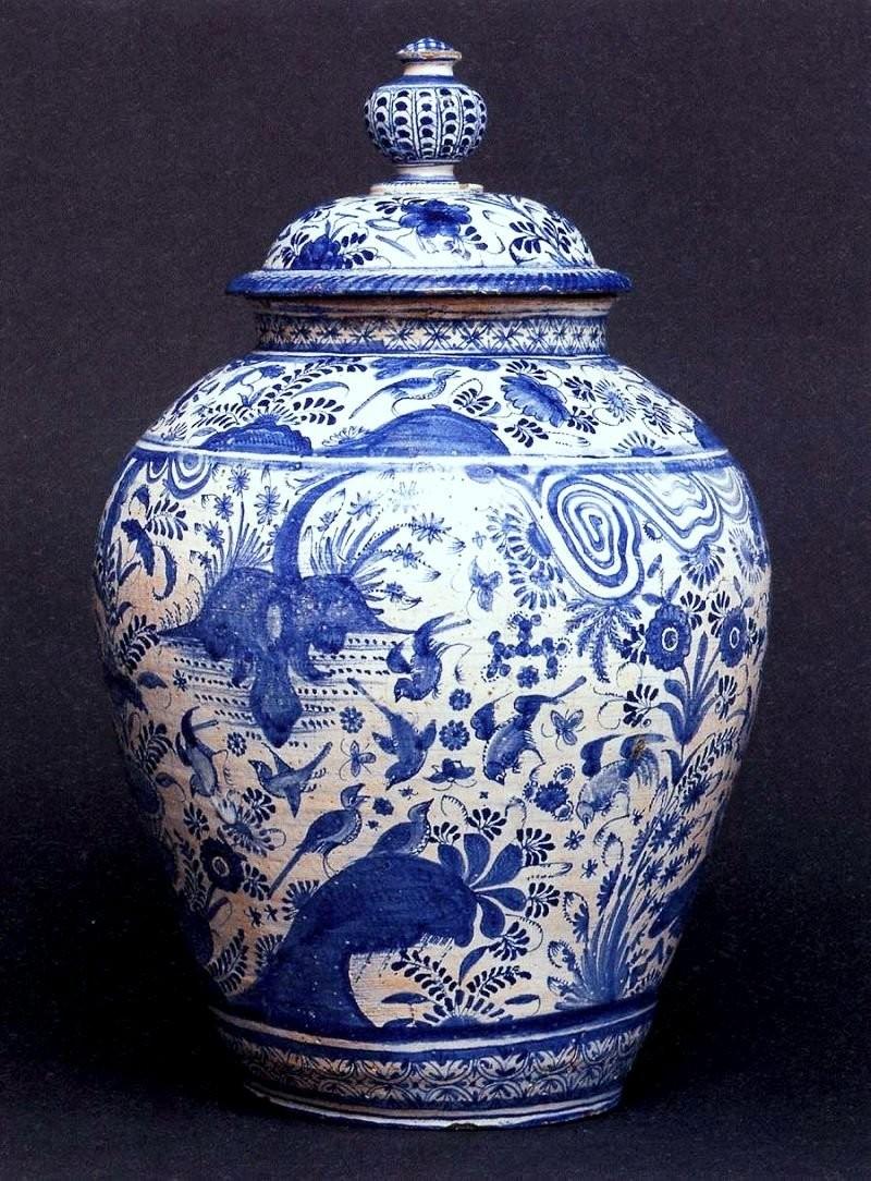 Бело-синий фарфор цинхуа, династия Мин. 1660 год