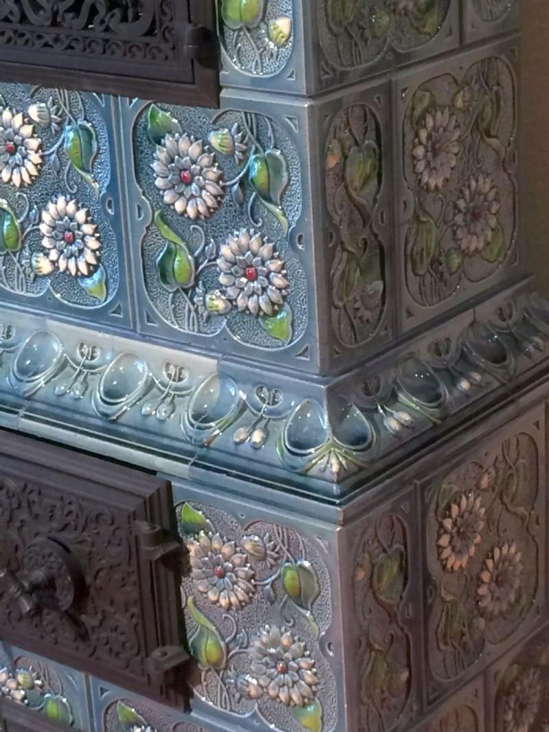 Антикварная изразцовая печь. Конец XIX века