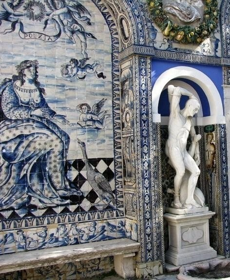 Португальские азулежу в замке де Фронтейра