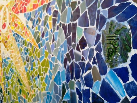 Мозаичное панно Гауди в технике тренкадис (trencadis)