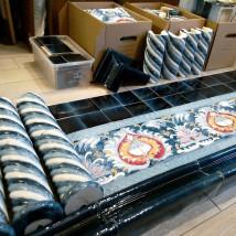 Рельефный фриз Павлинье Око, облицовка печи или камина керамической плиткой