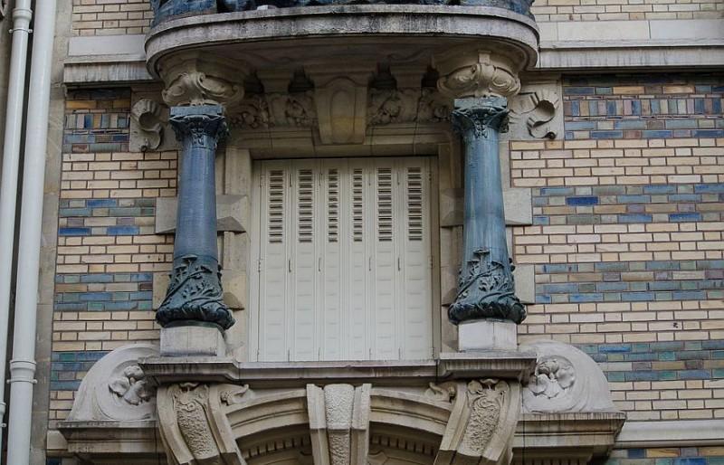 Балконы в доме Лавиротта на площади Рапп, 3