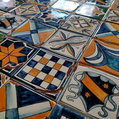Пиренейские изразцы, облицовочная изразцовая плитка