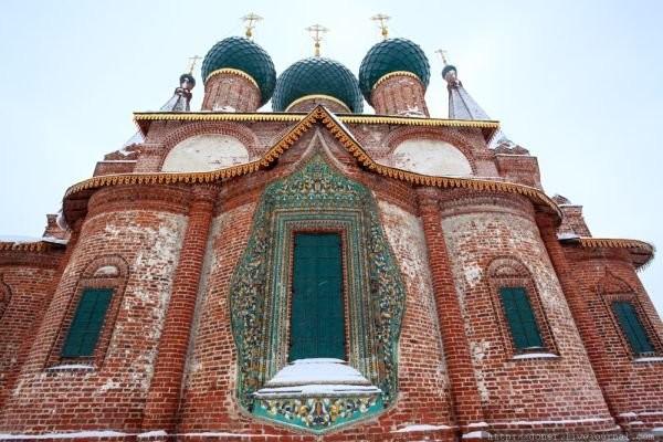 Изразцовый наличник церкви Иоанна Златоуста. Ярославль. 1658 год