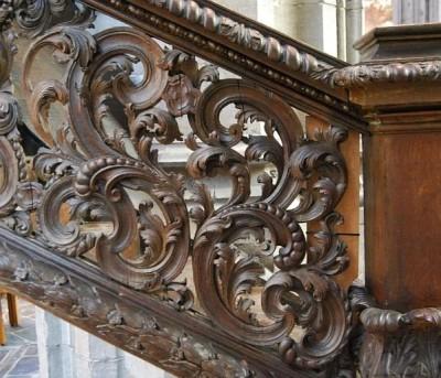 Фрагменты резьбы в стиле барокко соборной кафедры коллегиальной церкви святой Вальдетруды в Монсе