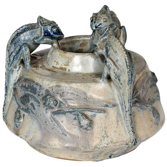 Керамическая чернильница с эффектом металлизации глазури Пьера Гребера. Арт-деко.