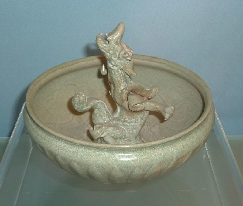 Селадоновая чаша эпохи Юань