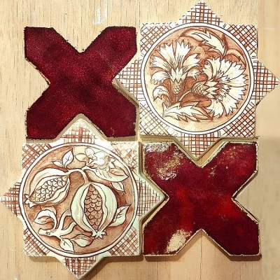 Плитка ручной работы звезда-крест, мастерская майолики
