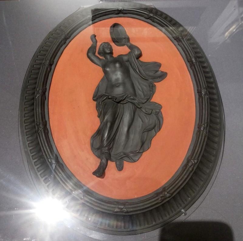 Медальон из базальтовой массы. Веджвуд