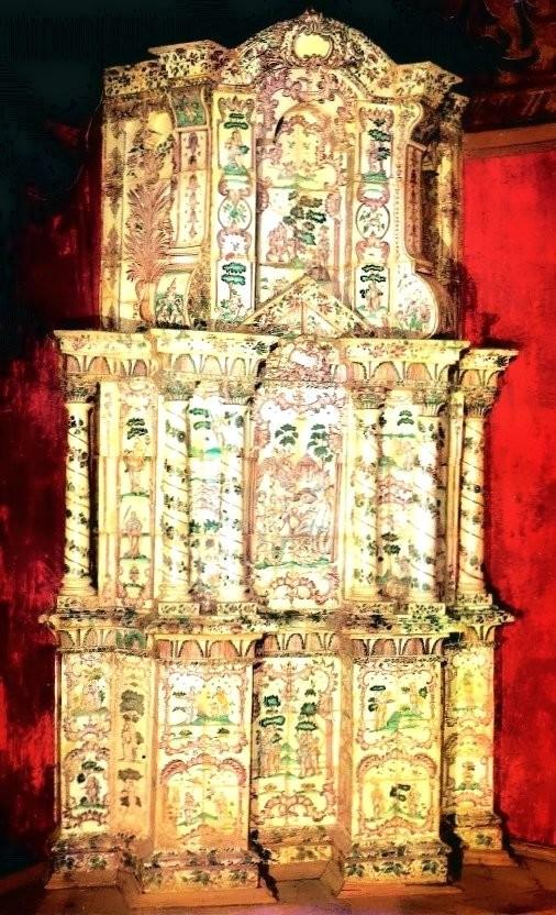 Калужская изразцовая печь конца XVIII века в Волковских палатах в Москве
