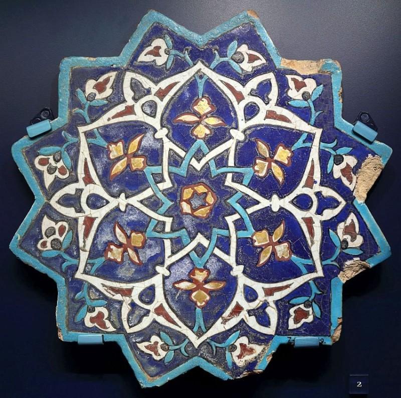 Персидская плитка в технике cuerda seca