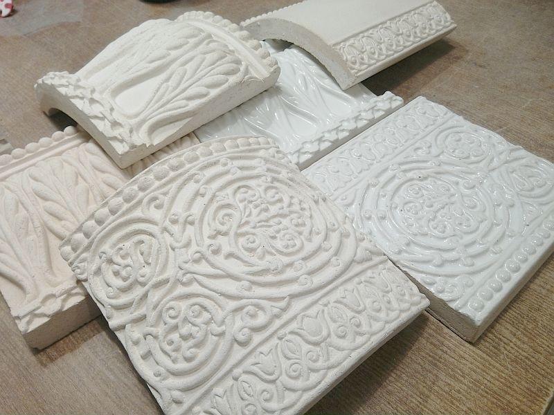 Разные типы керамических элементов для камина или печи