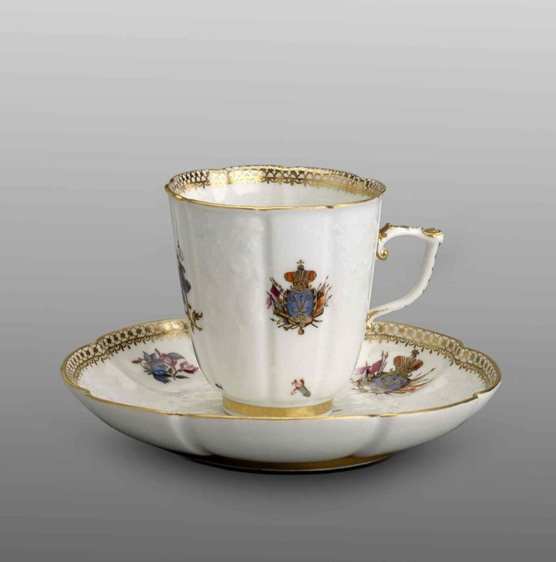 Чашка с блюдцем из «Андреевского сервиза». Гарднер. 1744-1745 годы