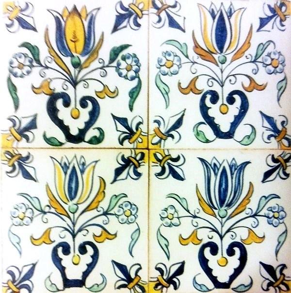 Цветочные мотивы на плитках. Делфт. XVII век