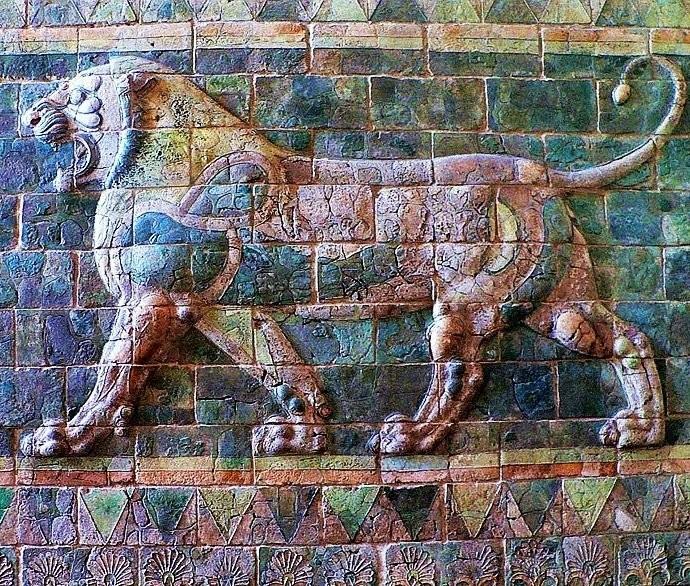 Дворцовые керамические фризы в Сузах