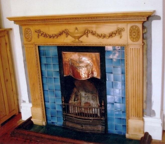 Камин Эдвардианской эпохи периода Arts&Crafts