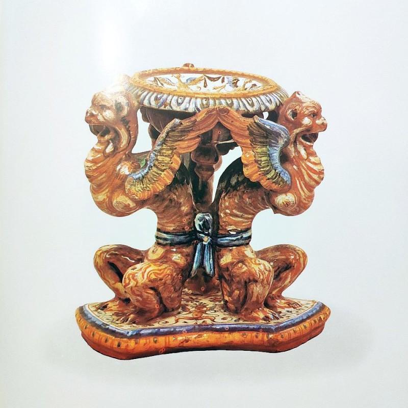 Солонка с химерами. Урбино. 1689 год