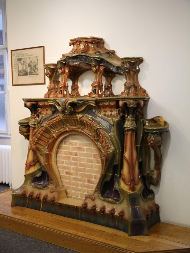 Изразцовая печь в стиле арнуво. Музей Саргемина