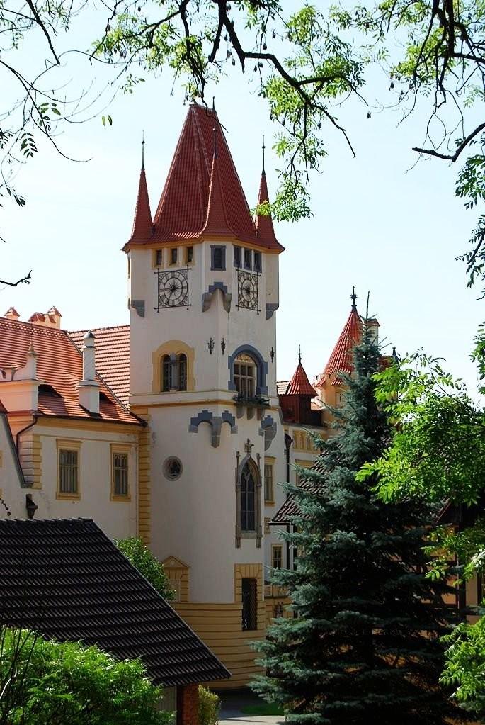 Замок Зинкова, старинные изразцовые печи