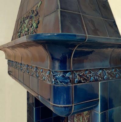 Изразцовый камин в стиле Северный модерн (Art Nouveau) лазурного цвета