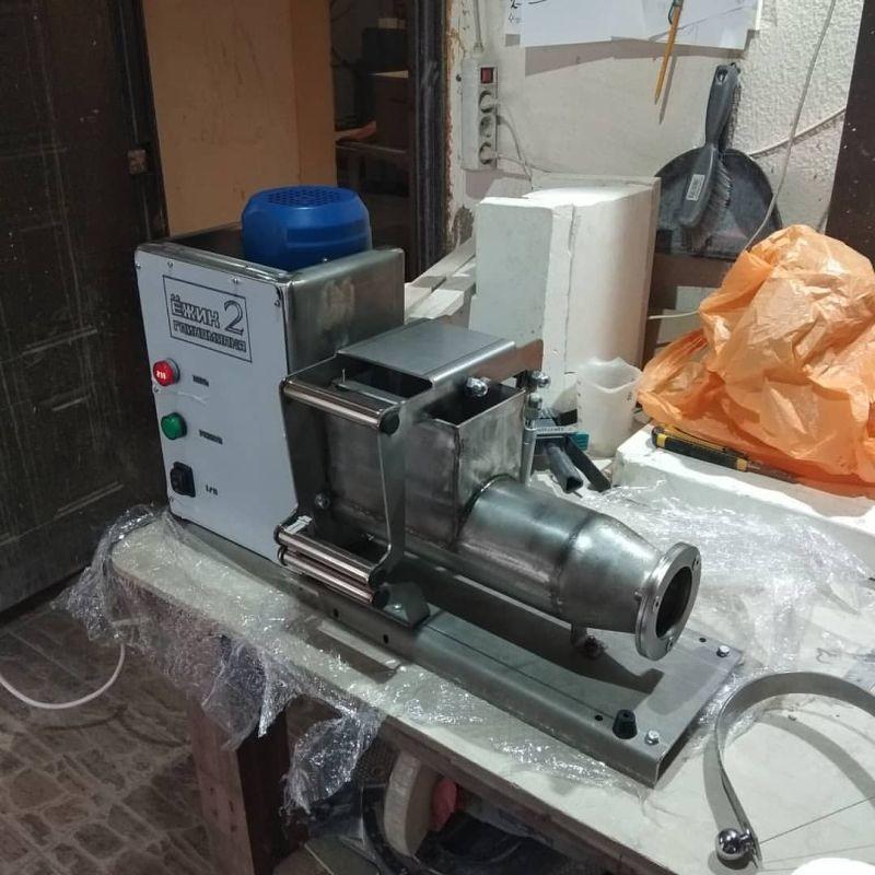 Экструдер для передавливания глины