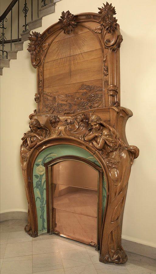 Камин Эмиля Мюллера с керамическими вставками Гребера