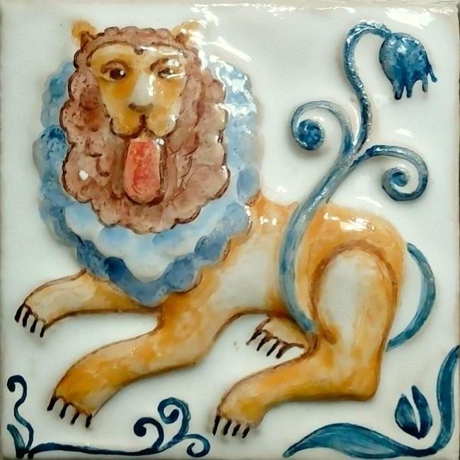 Лев из нашей серии Суздальских изразцов