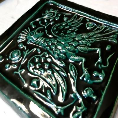 Облицовка для дымохода изразцовой печи-буржуйки Бавария с керамическим панно и Смоленскими изразцами