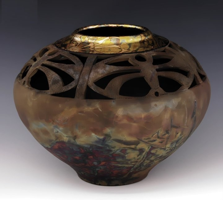 Металлизированная ваза после восстановительного обжига. Рон Мелло