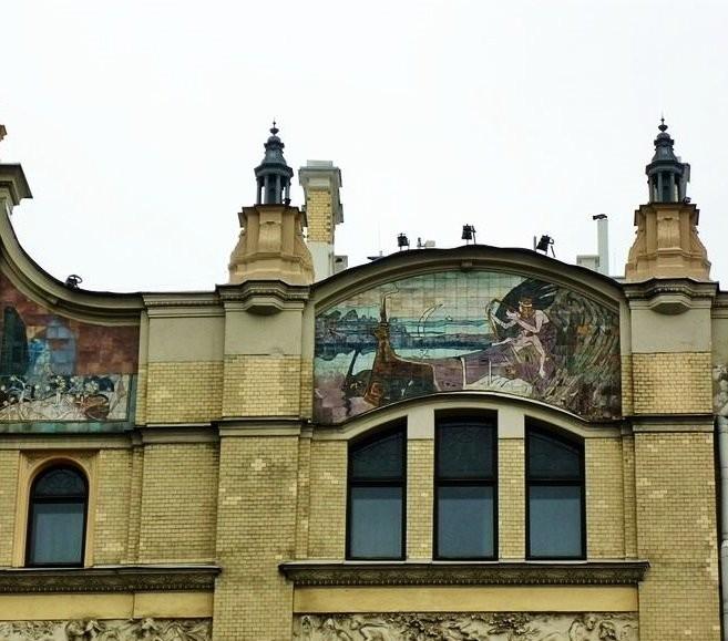 Майоликовые панно гостиницы Метрополь в Москве керамической мастерской Абрамцево.