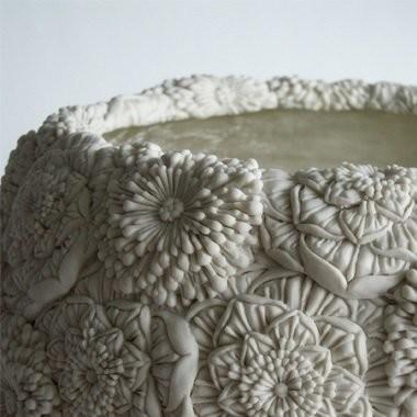 Флористические фарфоровые вазы Хитоми Хосоно.