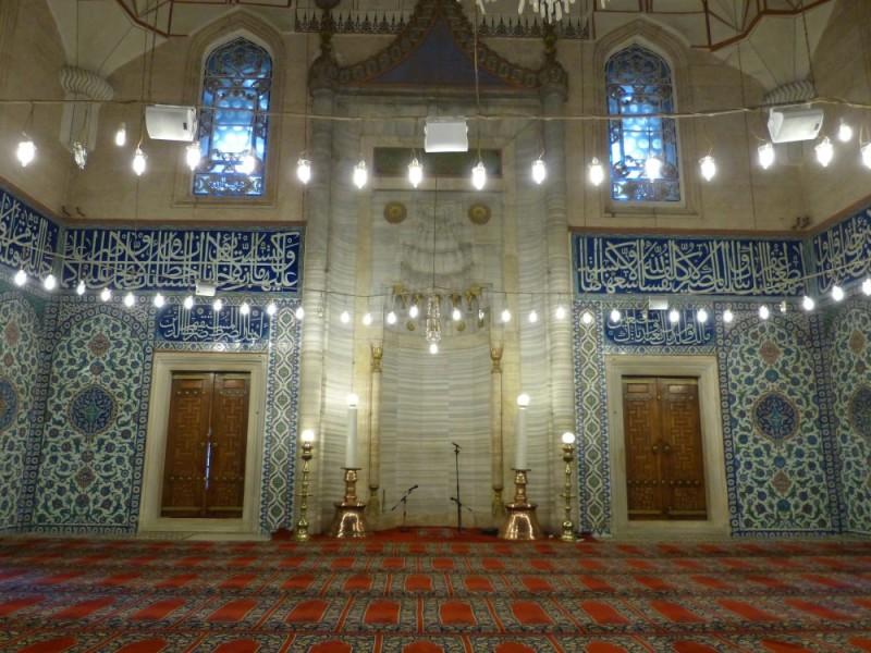 Изникская плитка в мечети Селимие в Эдирне