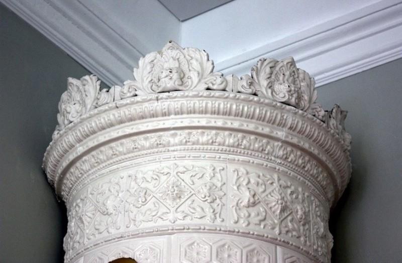 Изразцовые печи в стиле неоренессанс в здании Выборгского губернского правления