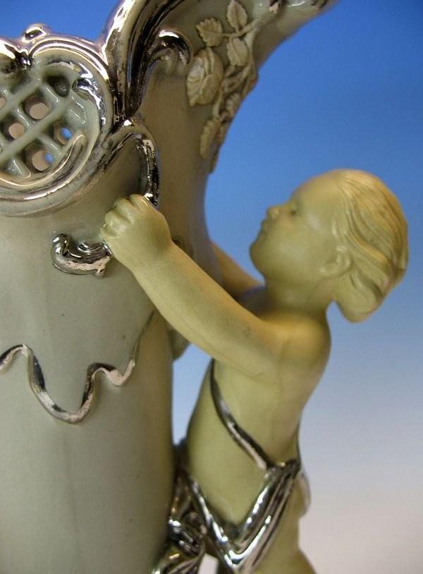 Викторианская ваза Villeroy & Boch с фигурками