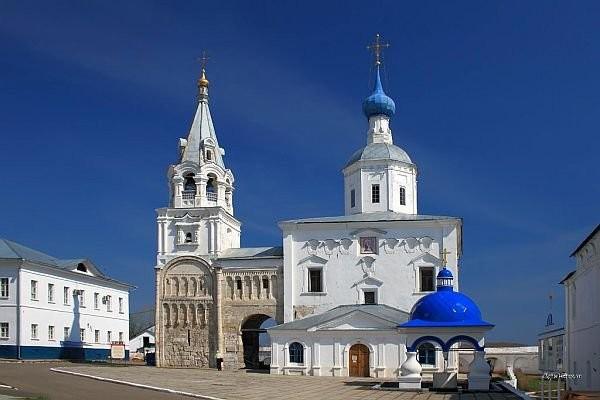 Храм Рождества Богородицы и палаты Андрея Боголюбского
