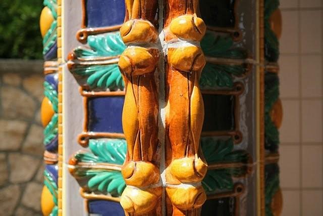 Керамика в купальне Геллерт в Будапеште