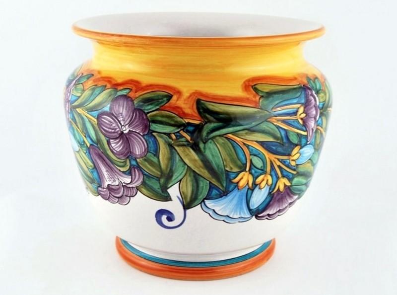 Майоликовая ваза в ренессансной технике в стиле Liberty