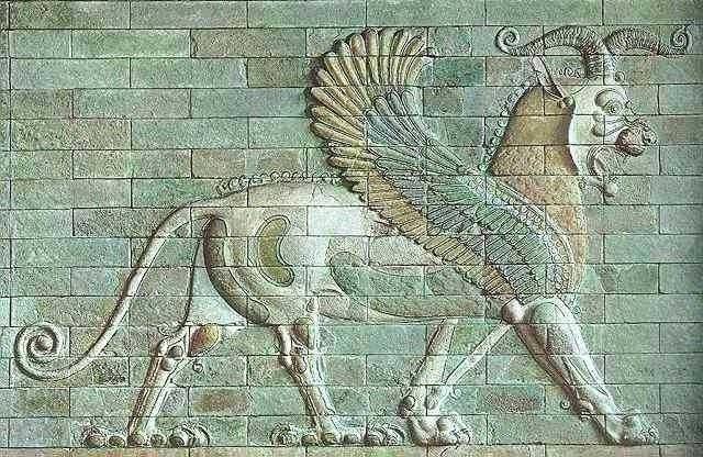 Грифон. Рельеф во дворце в Сузах. Керамика