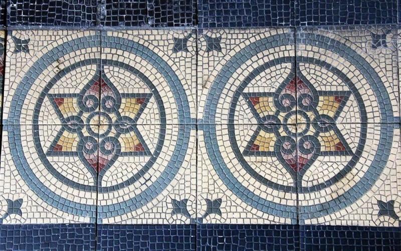 Метлахская плитка в особняке Давида Сараджишвили в Тбилиси (и на легендарном Титанике)